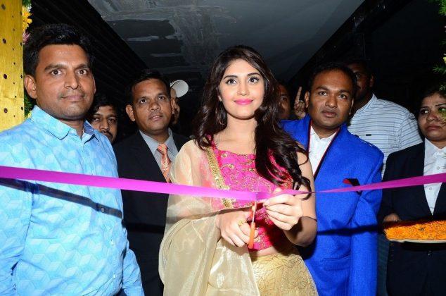 Actress Surabhi Launches Swadesh Restaurant At Kondapur Images