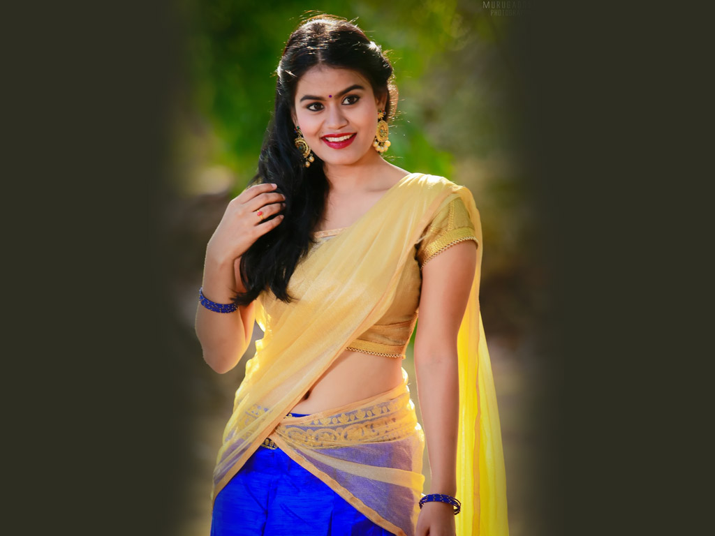 actress-riyamikka-commits-suicide-channi-her-home-