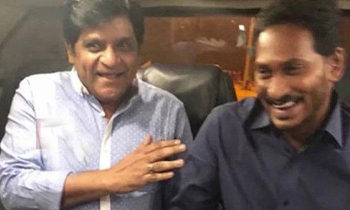 Pawan Kalyan Best Friend Comedian Ali Joins YSRCP