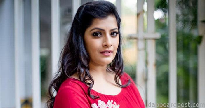 Varalakshmi Sarathkumar locked for Balakrishna- Gopichand Malineni film